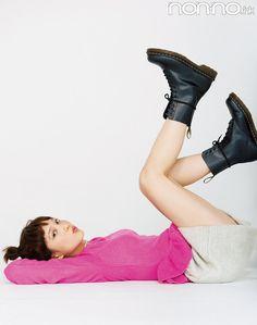 Tsubasa Honda, Pose Reference, Beautiful Models, Asian Woman, Cute Girls, Poses, Actresses, Legs, People