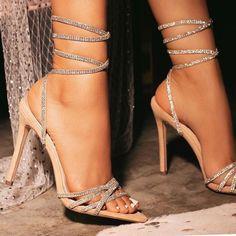 Fancy Shoes, Pretty Shoes, Women's Shoes, Shoes Style, Casual Shoes, Dress Shoes, Stilettos, Stiletto Heels, Heels Outfits