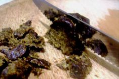 Propolis is used most often in the form of 20% tincture with 96 degrees alcohol, which is prepared as follows: take 20 g of propolis, purified from solids, crush and place in a dark glass bowl, pour Propolis Benefits, Bee Propolis, Bee Keeping, Honey, Homemade, Bee Products, Desserts, Dark, Aunt