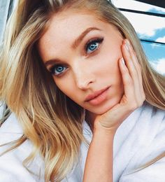 "Daily Elsa Hosk — Elsa: ""Chill dayz on set🎀💎"" Elsa Hosk, Victoria Secrets, Natural Hair Care, Natural Hair Styles, Natural Beauty, Blond, Vs Models, Models Style, Beautiful Models"