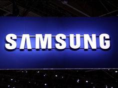 Samsung'un bugün itibarıyla Türkiye piyasasına da sunacağı Samsung Galaxy Gear ve Galaxy Note 3 için şirketin ana vatanı Güney Kore'de düzenlenen bir etkinlikte yöneticiler ekim ayında kavisli ekrana sahip bir akıllı telefonun gelebileceğine dair ipuçları verdi. Ne var ki, bu telefonun işletim sistemi, teknik özellikleri, kesin çıkış tarihi veya fiyatı gibi önemli bilgiler açıklanmadı.
