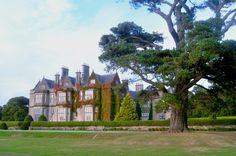 Dating from 1843, Muckross House and Gardens lies within the Killarney National park and is only minutes away from the bustling town of Killarney! http://www.tourireland.com/database/?item=38