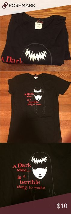 Black Emily the Strange Dark Mind Tee T Shirt Ah. A shirt from my middle school years, around 2006-2007, when Hot Topic was beginning to lose the goth look (luckily I caught the tail end of it). I don't ever recall wearing this shirt in particular and if I did, it was probably like two to three times at the max. Other than little wear, there's nothing wrong with it and no trades. Emily the Strange Tops Tees - Short Sleeve