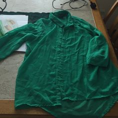 3/4 length sleeve button down blouse Rue 21, green, sheer, and very comfortable Rue 21 Tops Button Down Shirts