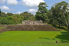 QUIRIGUÁ  Quiriguá) is an ancient Maya archaeological site in the department of Izabal in south-eastern Guatemala. It is a medium-sized site covering approximately 3 square kilometres (1.2 sq mi) along the lower Motagua River, with the ceremonial center about 1 km (0.6 mi) from the north bank.