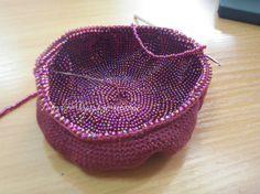 Как связать бисерный кошелек крючком по кругу - Crochet Modnoe Vyazanie