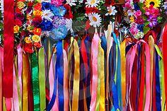 Ukrainian female head-dress garlands and ribbons
