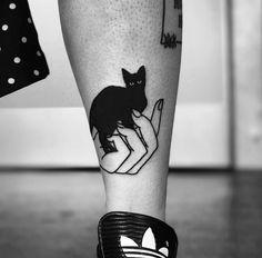 Cat Tattoo Black, Dark Tattoo, Body Art Tattoos, Small Tattoos, Sleeve Tattoos, Pretty Tattoos, Beautiful Tattoos, Tattoo Damen, Piercings