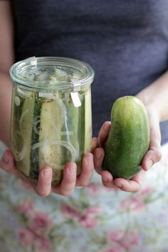 Homemade Refrigerator Pickles!  Can't wait to give these a try!