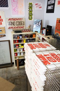 Would love to create a small area for screen-printing-enough space for a drying rack and place to keep inks and emulsions. Coworking Space, Open Office, Workspace Inspiration, Silk Screen Printing, Grafik Design, Creative Studio, Innovation, Art Studios, Letterpress
