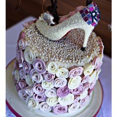 shoe and roses cake