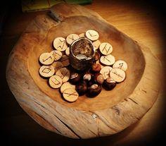 Hand- and selfmade runes. #asatru #handmade #fornsed #heathen #heathens #pagan #thor #vikings #viking #norse #pagan #odin