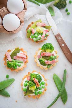 Tartelettes aux légumes verts, crème ricotta et lardons Brocléiande