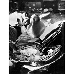 Όμορφη αυτόχειρας: Η εικοσιτριάχρονη Έβελιν ΜακΧέιλ πέφτει από τον 83ο όροφο του Εμπάιρ Στέιτ Μπίλντινγκ για να προσγειωθεί σε λιμουζίνα του Οργανισμού Ηνωμένων Εθνών. 1η Μαΐου, 1947.