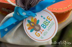 {think cute designs} HAPPY THANKSGIVING printable circle tags - Lauren McKinsey. $1.89  www.laurenmckinsey