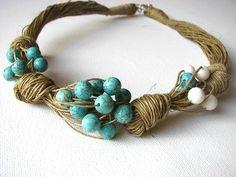 lus van turquoise - linnen ketting   100% Handmade  Kleuren •linen-beige •Turquoise •White  Materiais: •linen •Turquoise •Jewelry gesp •Coral  Maat: 50cm/119,69    Dank u