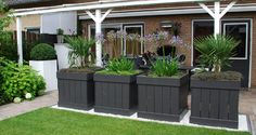 Great planters for the garden. Outdoor Landscaping, Backyard Patio, Small Gardens, Outdoor Gardens, Outdoor Rooms, Outdoor Decor, Plantation, Artificial Plants, Dream Garden