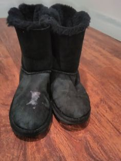 bb9655a65fb217 BAILEY BOW II BOOT S N 3280y Size 6 Uggs Used  fashion  clothing
