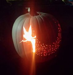 For a Disney-inspired pumpkin that shines all night long, carve Tinkerbell and let her glimmer in the dark. Disney Pumpkin Carving, Pumpkin Carving Templates, Cute Pumpkin Carving, Pumpkin Template, Funny Pumpkin Carvings, Diy Halloween Food, Halloween Jack, Happy Halloween, Halloween Pumpkins