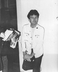 This is Queen's bass player,John Deacon,NOT Freddie Mercury Mary Austin Freddie Mercury, Queen Freddie Mercury, John Deacon, Save The Queen, I Am A Queen, Roger Taylor Queen, Memes, Queen Pictures, Queen Band
