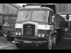 Image result for old bradford hauliers Old Lorries, Bradford, Old Trucks, Transportation, Vehicles, Image, British, Wool, Classic