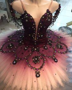 Tutu by Diego Costa... Tutu Ballet, Dance Ballet, Dance Costumes Ballet, Ballerina Dress, Dancers Pointe, Ballerina Costume, Jazz Costumes, Ballerina Project, Dance Outfits