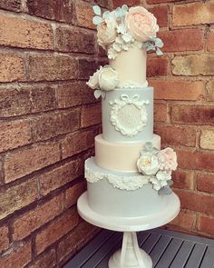 Blue and peach wedding cake - Victorian style wedding cake #weddingcake #wedding #cakes #cake