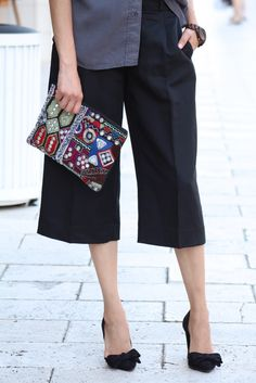 How to wear the culottes trend | Culottes | Black Pumps | Beaded Clutch