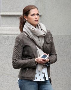 Princess Madeleine of Sweden and a friend hail a taxi outside of the New York apartment she is sharing with American boyfriend Chris O'Neill - Pictures - Zimbio