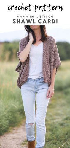 This pretty crochet pattern is super simple to make and is perfect for beginners! I love the drape and fit so much. There's a free pattern and helpful tips as well.