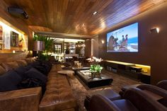 The decoration of home theaters in small or large environments can be made with lots of creativity and good taste. The decoration is an art that should be Best Home Theater, Home Theater Rooms, Home Theater Seating, Cinema Room, Home Theater Design, Home Design, Home Theaters, Home Cinemas, Home Theater Speakers