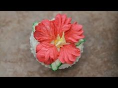 Liz - Video for buttercream Hibiscus flower. The bottom leaves are how I learned to pipe poinsettias, looks prettier than usual a leaf tip