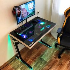 Фотографии системных блоков • Конференция Overclockers.ru Built In Computer Desk, Computer Gaming Room, Gaming Room Setup, Computer Setup, Pc Setup, Computer Case, Desk Pc Build, Custom Pc Desk, Small Game Rooms