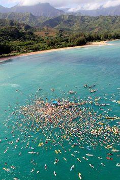 Paddle boarding in Hawaii #www.zraysports.com #paddleboard #yogasup