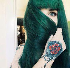 vibrant locks // hair // colour // hair dye // bright // aesthetic // grunge // pastel // green