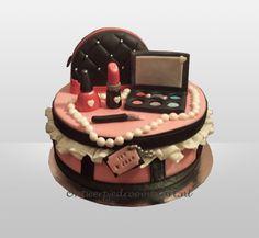 Verjaardagstaart make-up taart