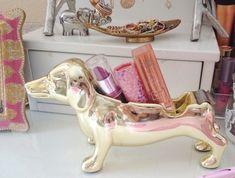 golden puppy lipstick/lipbalm holder! aw! ♡