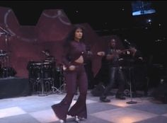 Can we take a minute to admire the dancing prowess of the queen? | 23 Selena Dancing GIFs That Will Make You Grin Uncontrollably