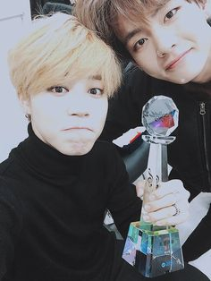 B A N G T A N | Jimin x V | Twitter Update (Jimin): Thank you for our first 1st place in 2016 It was really nice because we were all together for the end (of promotions). Thank you to the ARMYs who came today. #BTS - btsdiary