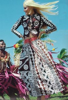 Vogue Magazine, January 1971 Fiji, ethnic outfit Fashion influences ranged from #ethnic design and disco to glam #rock and punk in 1970s.