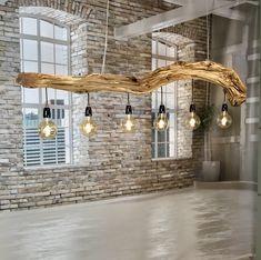 Restore old wood with vinegar - wood DIY Altes Holz mit Essig restaurieren – Holz DIY Ideen Ceiling lamp made from old oak branches. Wood Chandelier, Wood Lamps, Industrial Chandelier, Driftwood Lamp, Diy Casa, Branch Decor, Light Oak, Deco Design, Ceiling Design