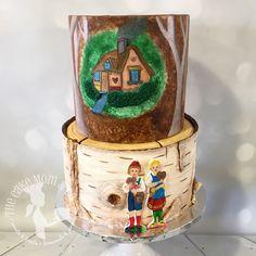 German fairytale themed cake with Hansel & Gretel. All decor hand painted on fondant. #thecakemomco #cake #fairytale #hanselandgretel