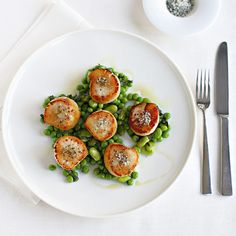 Chef Gordon Ramsays Seared Scallops with Minted Peas and Beans Recipe.