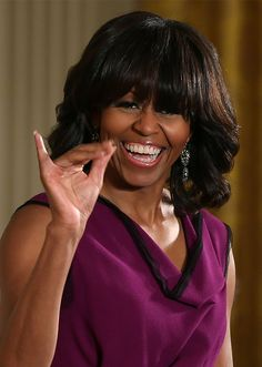 50 Fabulous - First Lady Michelle Obama. Is our First Lady throwin up the pinkie? Michelle Obama Photos, Michelle Obama Fashion, Michelle And Barack Obama, Joe Biden, Durham, Obama Family Pictures, Barrack And Michelle, Barack Obama Family, Obamas Family