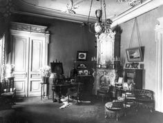 Victorian Castle, Victorian Homes, Victorian Interiors, Vintage Interiors, Old Photographs, Old Photos, Romanov Palace, Neo Expressionism, Furniture Styles