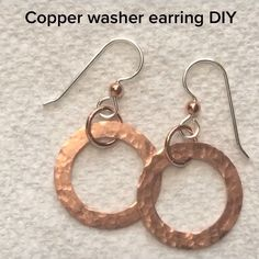 Copper washer DIY earrings - Simple and cute copper ring earrings you can make too! Come see my Etsy shop for my own pieces! Diy Earrings Easy, Earrings Handmade, Diy Earrings Hoops, Diy Metal Earrings, Handmade Copper Jewelry, Wire Jewelry Earrings, Copper Wire Jewelry, Diy Schmuck, Schmuck Design