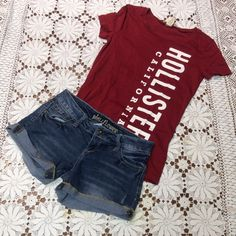 LIKE NEW HOLLISTER TEE  So soft hollister logo tee in like new condition. T-1 Hollister Tops