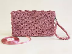 Pink Bridal Clutch Pink Bridesmaid Purse Pink Bridesmaid Clutch Pink Evening Purse Crochet Wedding Clutch Bridesmaid Gift Idea Gifts for Her http://etsy.me/2mTXfla #weddings #accessories #pink #valentinesday #pinkbridalclutch #bridesmaidpurse #bridesmaidclutch #pinkeve