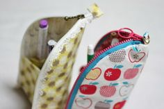 ペンケースの作り方《ハンドメイド》 Backpack Purse, Pouch Bag, Coin Purse, Pouches, Bobbin Lace, Purses And Bags, Diy And Crafts, Diy Flowers, Wallet