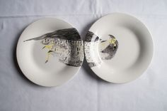 Nuria Blanco is a spanish designer who recently created her latest collection of tableware inspired by zoo animals, thus named the Zoo Series, or Zoo Collection. Unique Animals, Zoo Animals, Cat Memes, Little Things, Decorative Plates, Tableware, Inspired, Inspiration, Collection
